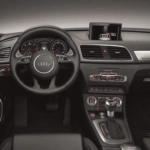 Cockpitansicht des Audi Q3.