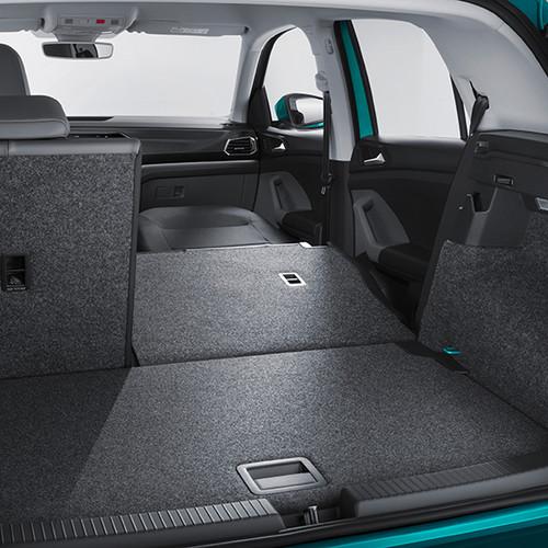 VW T-Cross, Kofferraumansicht mit teil-umgeklappter Rückbank