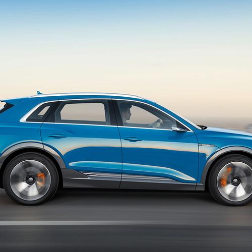 Audi e-tron, Elektro-SUV, blau, Seitenansicht