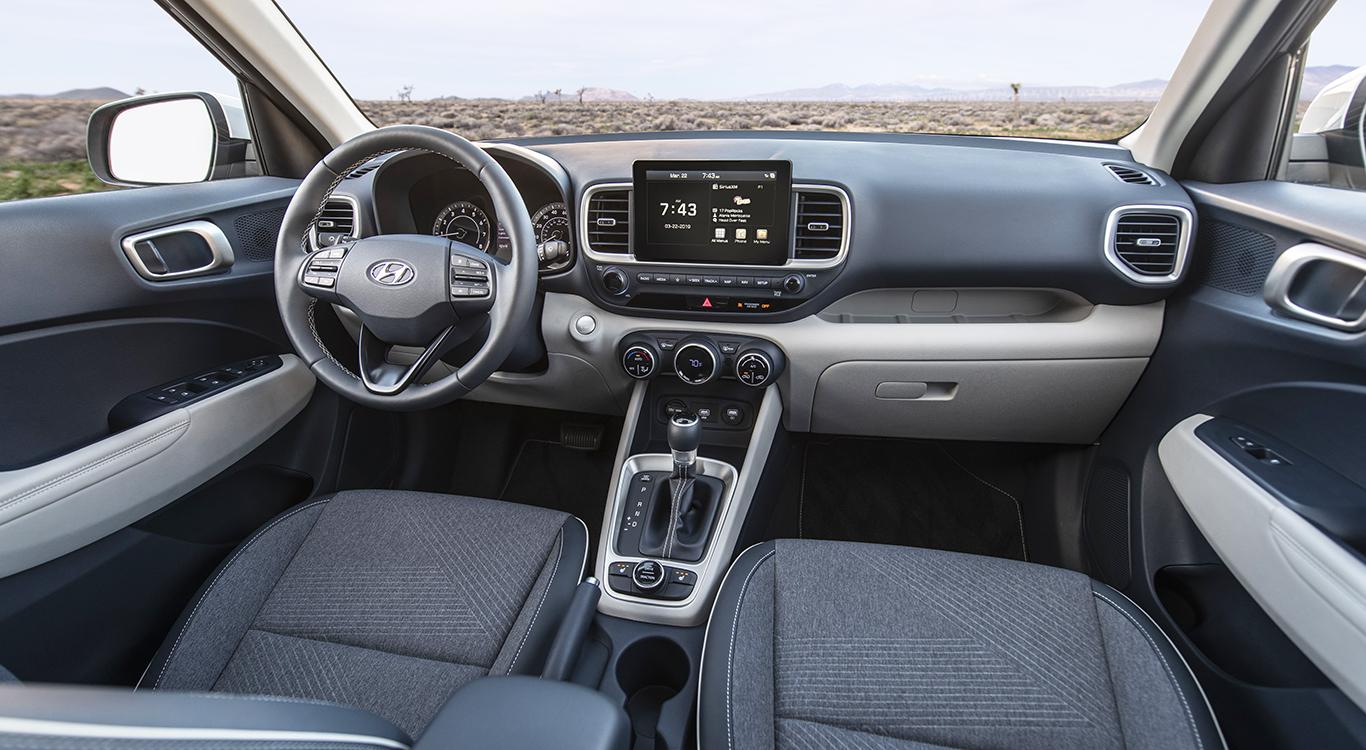 Beim Infotainment und den Assistenzsystemen lässt die Hyundai-Neuheit Venue im Bedarfsfall keine Wünsche offen.