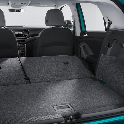 Kofferraum des VW T-Cross 2019 mit umgeklappter Rückbank.