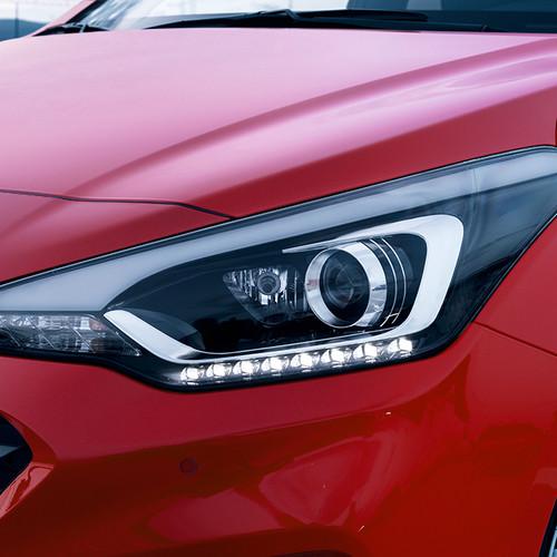 Hyundai i20, Facelift 2018, rot, Frontscheinwerfer