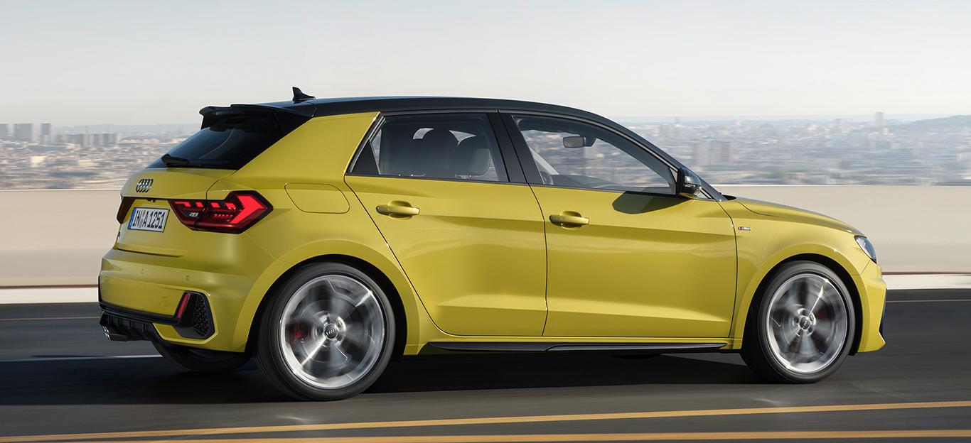 Audi A1 Sportback 2018, grün-schwarz, Seitenansicht