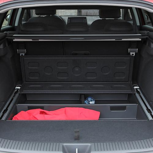 Hyundai i30 Kombi, Kofferraumansicht mit offenem Ladeboden
