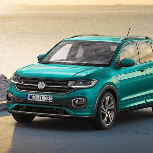 VW T-Cross, Halbseitenansicht von vorn, stehend, grau