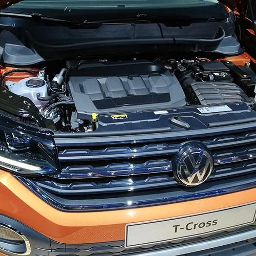 Motorraum des VW T-Cross