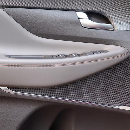 Hyundai Santa Fe 2018, Türverkleidung