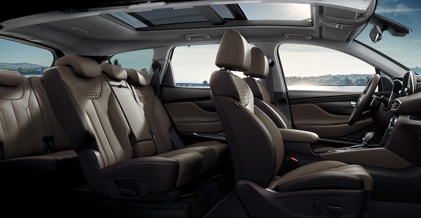 """Den Hyundai Santa Fe gibt es weiter als Siebensitzer, doch der Name ist nicht mehr """"Grand Santa Fe""""."""