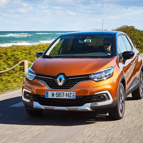 Renault Captur Fahraufnahme Front orange