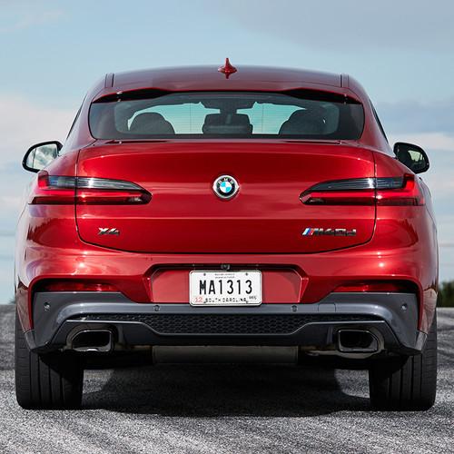 BMW X4 M40d, rot, Heckansicht