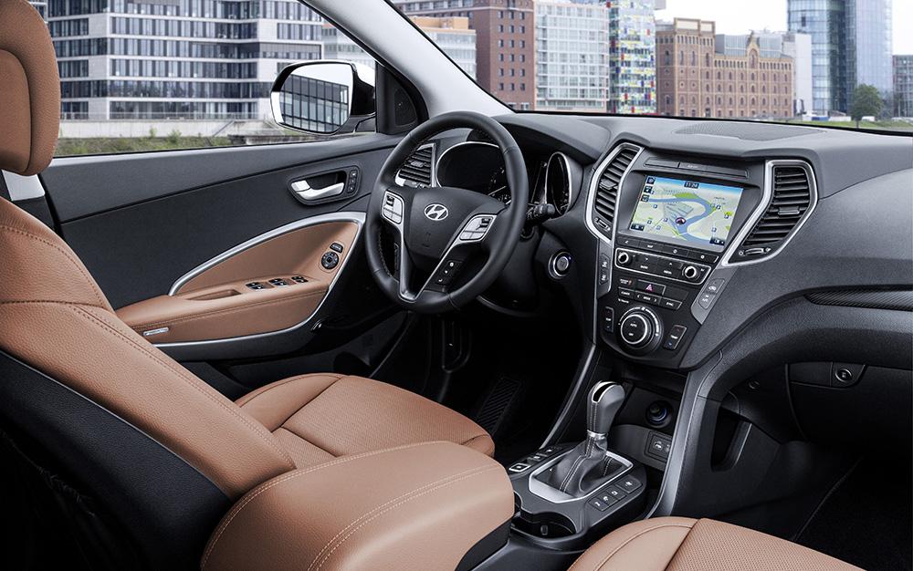 "Foto: Purer Genuss: Sitz-Komfort in Leder ist ab der Linie Hyundai Santa Fe ""Style"" serienmäßig."