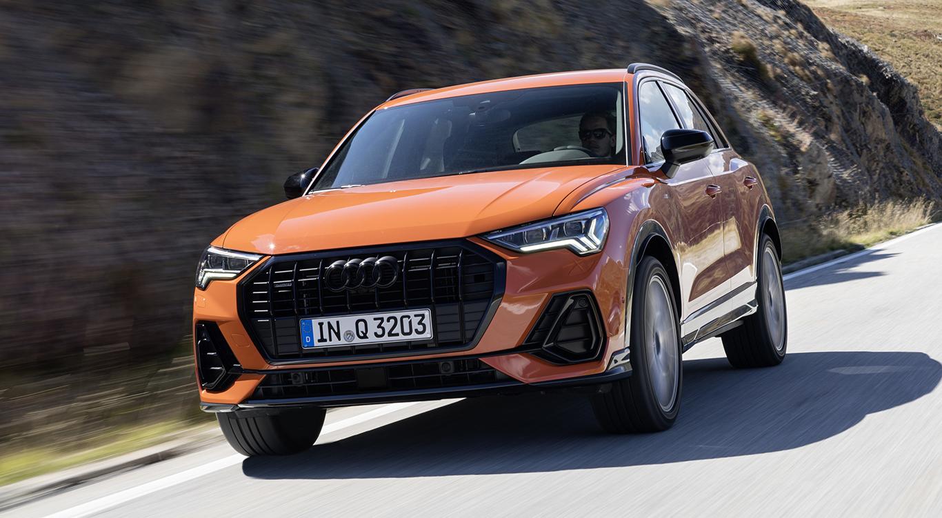 "Audi Q3 ""edition one Pulsorange""."