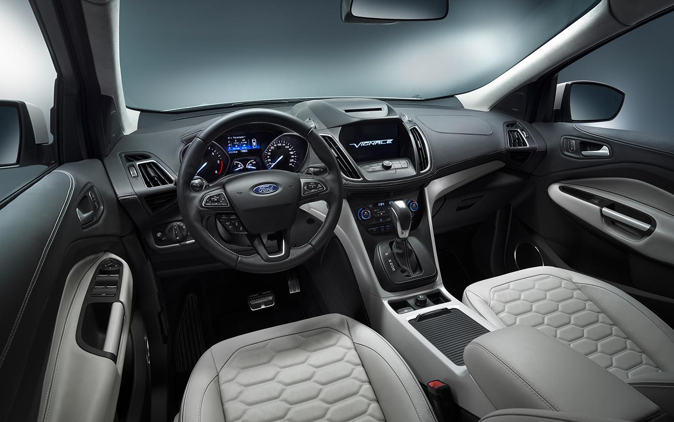 Das prickelt: Im Inneren des Ford Kuga Vignale.