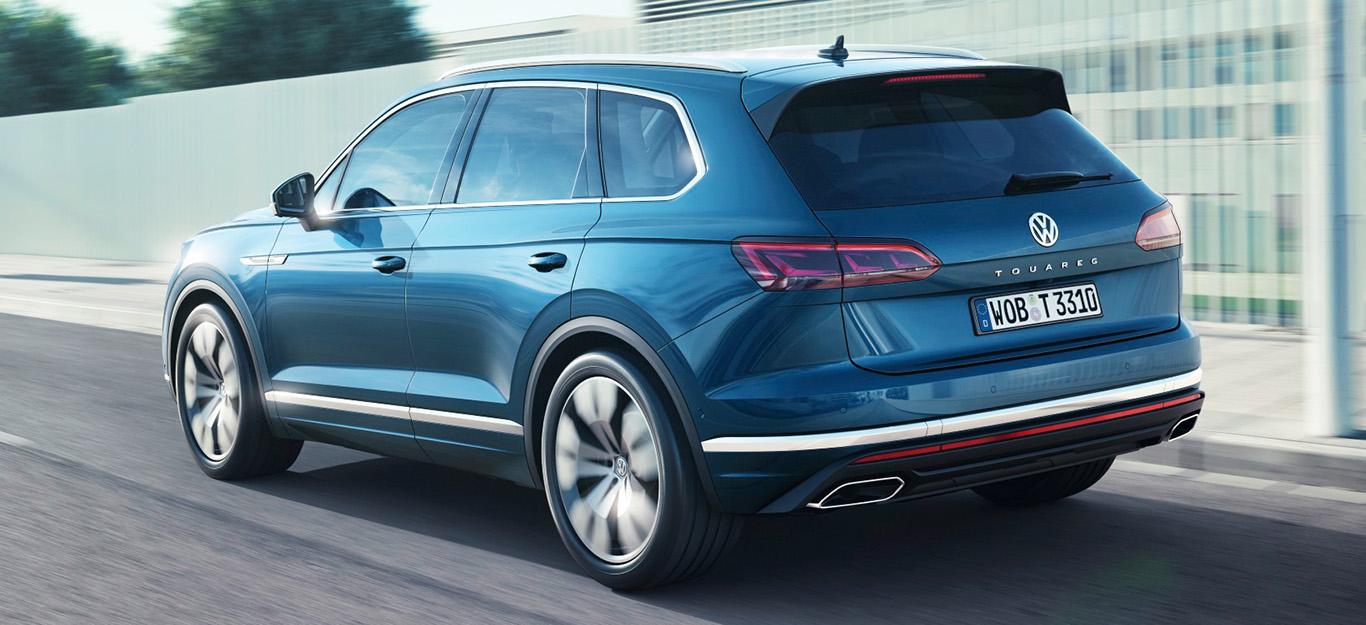VW Touareg 2018, Fahraufnahme, Heckansicht