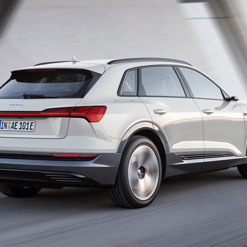 Audi e-tron, Elektro-SUV, Heckansicht, weiß