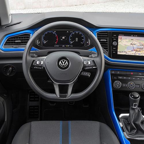 VW T-Roc, Innenansicht, Cockpit in blau