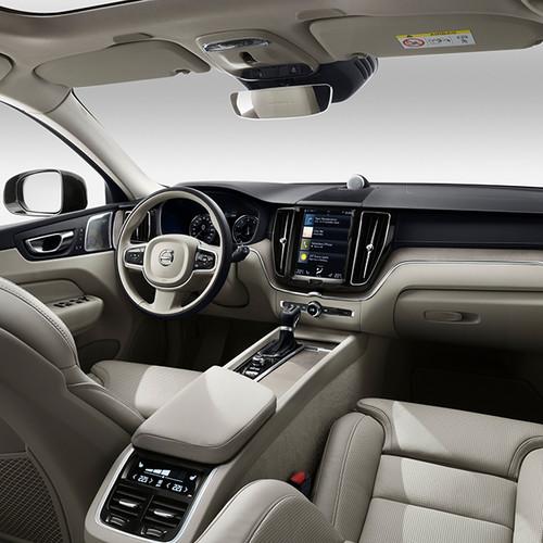 Volvo XC60, Innenansicht, Cockpit, Lederausstattung hell
