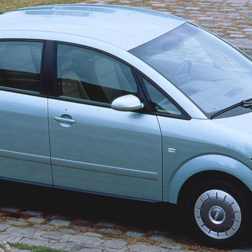 Der Audi A2 in Silber.