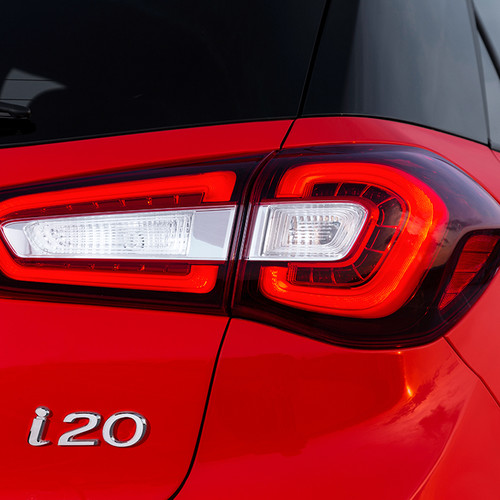 Hyundai i20, Facelift 2018, rot, Heckscheinwerfer