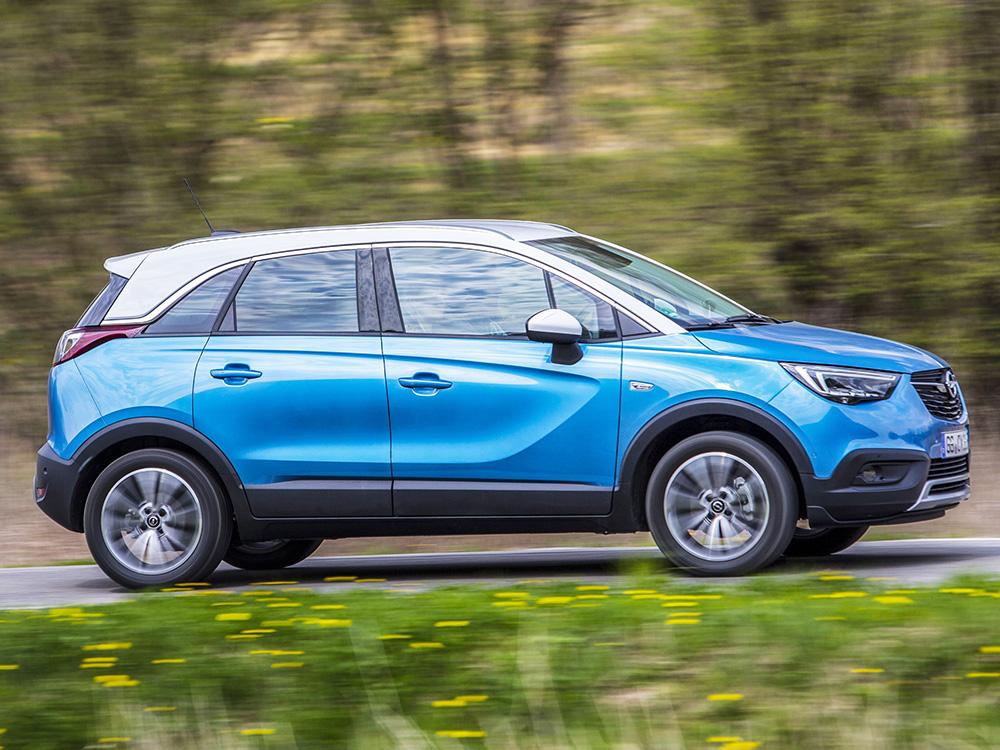 Mit dem Crossland X hat Opel einen Mischling aus den Bereichen Van und Geländewagen konzipiert.