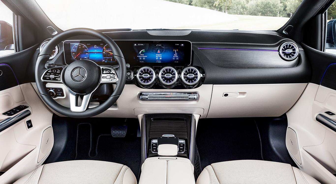 """In der Mercedes B-Klasse W247 kommt das neue Multimedia-System """"MBUX"""" (""""Mercedes-Benz User Experience"""") zum Einsatz."""